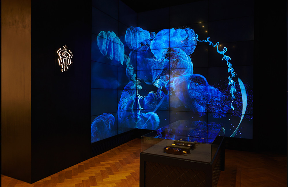 Johnnie Walker. Seoul House – Blue Installation | makmac